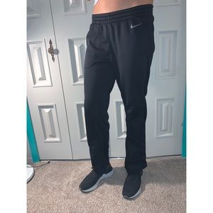 Women's Nike Therma Sweatpants